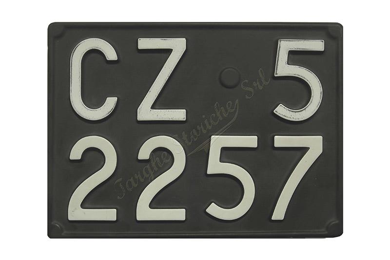 Coppia di Targhe Auto in Plastica dal 1976 al 1984 Affiancata Antichizzata